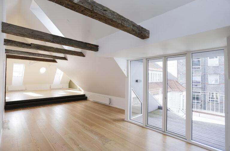 Totalrenovering af lejlighed i Vestergade, Aarhus C - Glasparti til altan